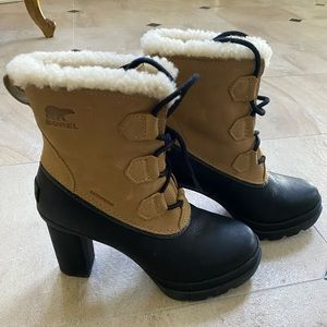Sorel women's boots with Sherpa lining 3in heel